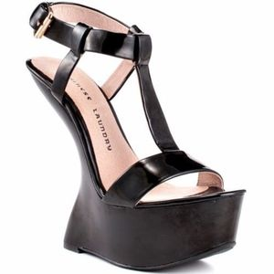 Black Chinese Laundry Controversy Wedges Size 6